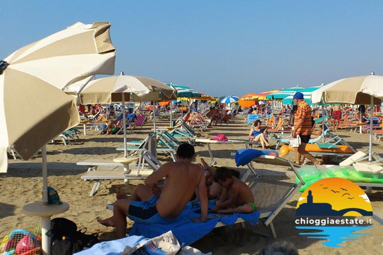 Bonus vacanze estendibile anche a lettini e ombrelloni