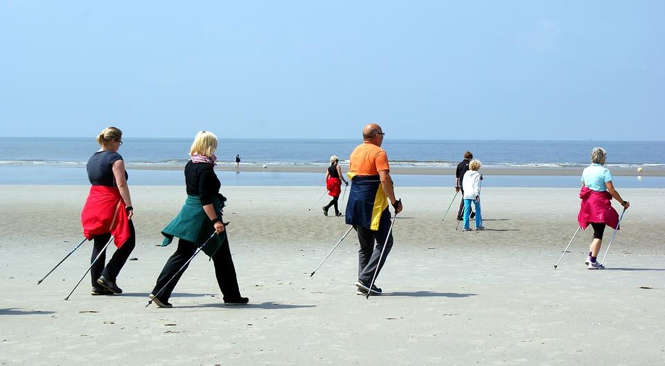 Beach Nordic Walking, 10 chilometri di spiaggia per le passeggiate con i bastoncini